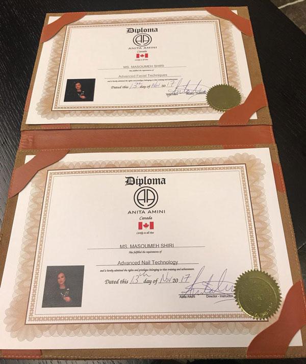 دارای مدرک فنی و حرفه ای کاشت ناخن از کشور کانادا